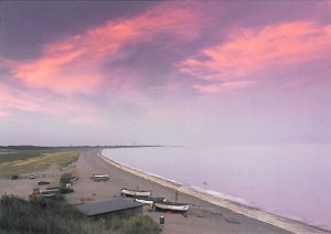 Dunwich-Beach-Postcard-Front-550